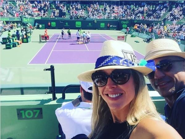 BLOG: Vitor Belfort reaparece com esposa na plateia de jogo de Rafael Nadal
