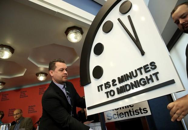 """Cientistas movem o """"Relógio do Juízo Final"""" em 30 segundos (Foto: Win McNamee/Getty Images)"""