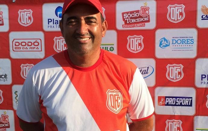 Elenilson Silva, técnico do Dorense (Foto: Reprodução/Facebook)
