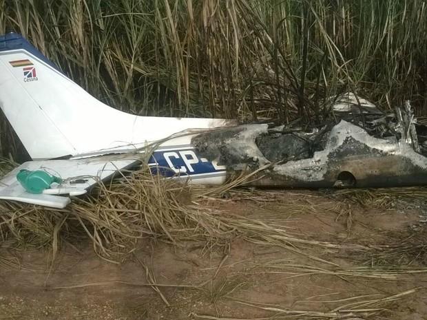 Polícia suspeita que fogo em aeronave tenha sido proposital (Foto: Cristiano Gomes/TVCA)