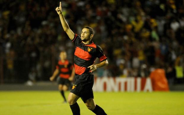 Sport x Santa Cruz felipe azevedo (Foto: Aldo Carneiro / Pernambuco Press)