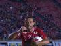 Nenê supera Falcão e filho de Zico no gol mais belo dos jogos beneficentes