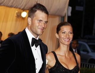 Gisele Bündchen e o marido Tom Brady no baile da gala do Metropolitan em Nova York, nos Estados Unidos (Foto: Reuters/ Agência)