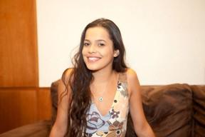 Ex-BBB Mayla em hotel no Rio (Foto: Anderson Barros/ EGO)