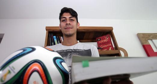 bola  para os  livros (Pedro Veríssimo)