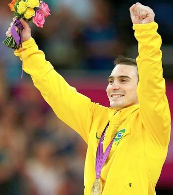 Arthur Zanetti pódio ouro na prova de argola ginástica (Foto: Reuters)