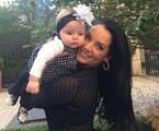Mônica Carvalho com a filha, Valentina | Arquivo pessoal