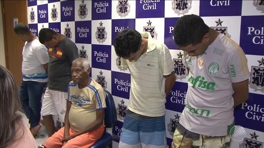 Pai de santo é preso suspeito de mandar matar outro por disputa de clientes em Feira de Santana, na Bahia