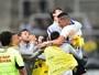 Luciano desencanta, e Corinthians volta ao G-4 com 2 a 1 no Santa Cruz