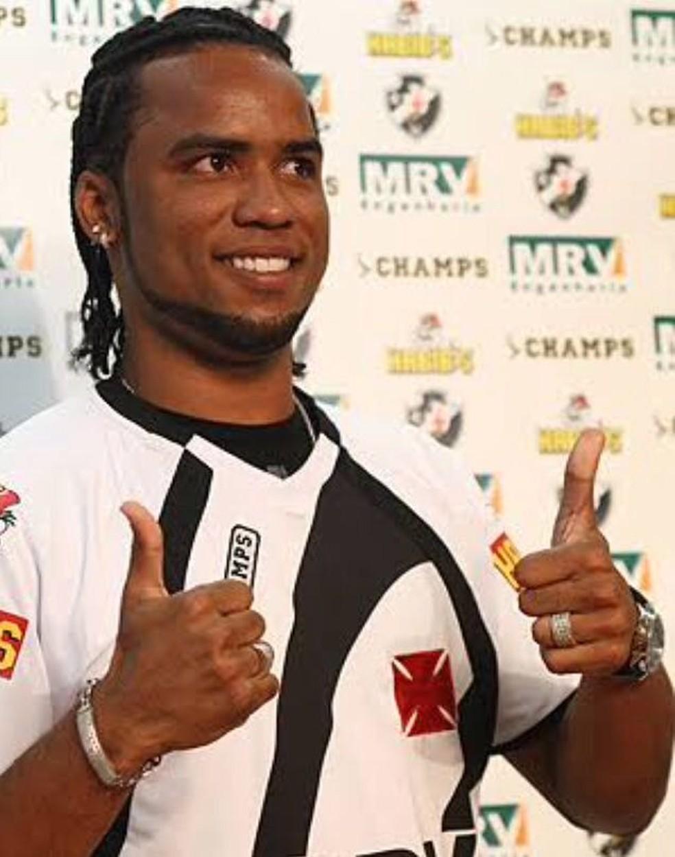 Vascaínos relembraram passagem de Carlos Alberto pelo clube (Foto: Reprodução)