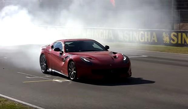 Ferrari leva F12tdf para o circuito de Mugello (Foto: Reprodução)