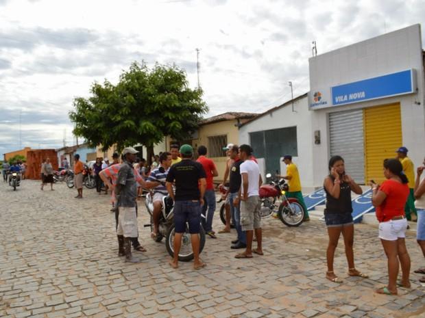 Homens tentaram roubar casa lotérica em Vila Nova  (Foto: Robert Kleber/Portal Vila Nova)
