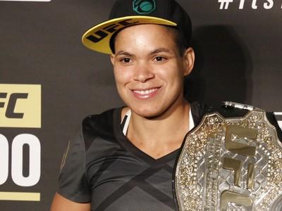 Amanda Nunes, cinturão; UFC200 (Foto: Evelyn Rodrigues)