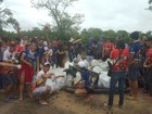 Grupo recolhe uma tonelada de lixo em ação no rio Cauamé, em Boa Vista