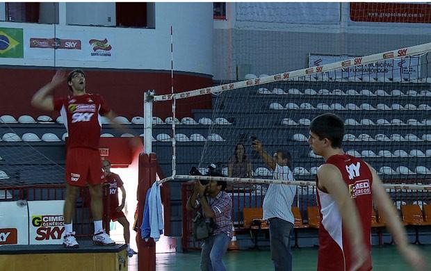 Giba florianópolis treino vôlei (Foto: Reprodução SporTV)
