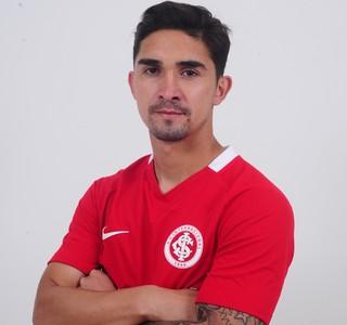 Inter anunciou contratação do volante chileno Felipe Gutiérrez (Foto: Sport Club Internacional / Divulgação)
