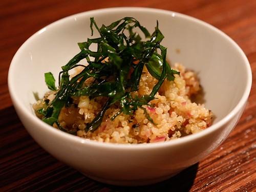 Tabule de quinoa vegetariano