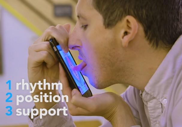 O app promete ensinar ritmo, posição e apoio para a língua, hahaha! (Foto: Reprodução/Youtube)