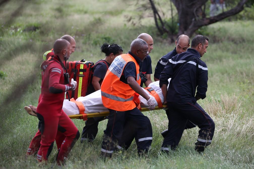 Bodyboarder morre por ataque de tubarão na Ilha Reunião (Foto: AFP)