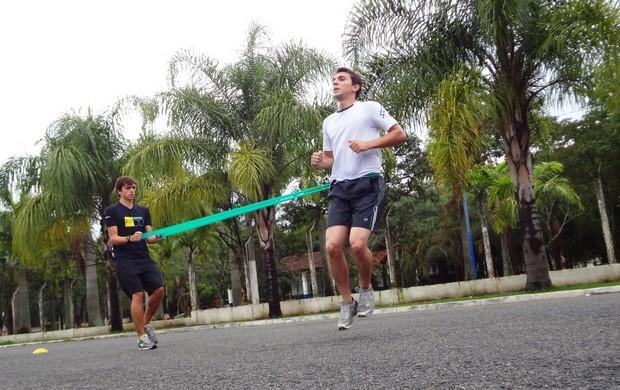 Bruno Pellegrine treina para General Salgado (Foto: Filipe Rodrigues/ Globoesporte.com)