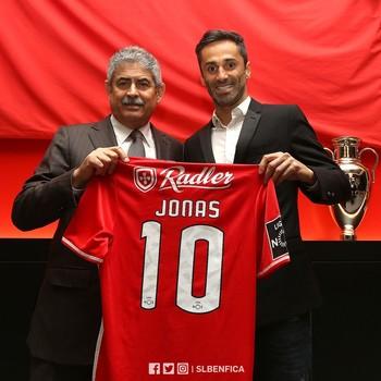 77b6a530af Jornal  Jonas receberá o maior salário da história do Benfica após renovação