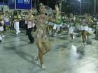Com vestido transparente, Gracyanne Barbosa cai no samba  em ensaio
