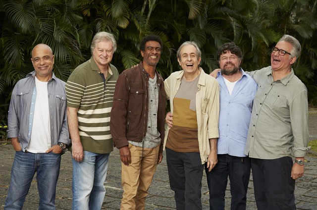 Cláudio Manoel, Beto Silva, Hélio de La Peña, Reinaldo Figueiredo, Marcelo Madureira e Hubert (Foto: Guto Costa/Divulgação Multishow)