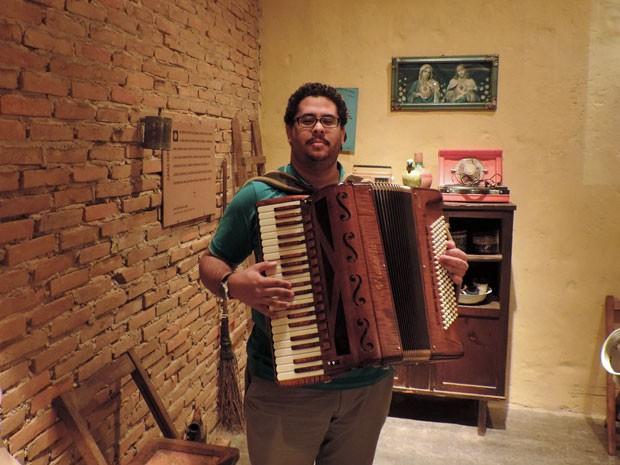 Julinho do Acordeon foi um dos convidados para participar da 10ª Vigília Gonzaguiana (Foto: Débora Soares/G1)