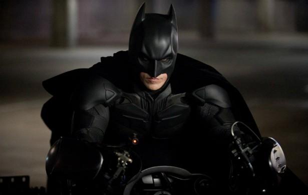 Christian Bale nunca recorreu a dublês. Inclusive na época em que deu vida ao Homem-Morcego. Na foto, o ator em 'Batman: O Cavaleiro das Trevas Ressurge' (2012). (Foto: Reprodução)