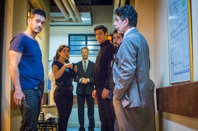 Elenco grava 'Pega pega' (Foto: Paulo Belote/ TV Globo)