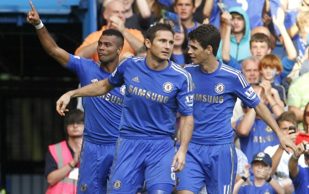 Ashley Cole Lampard Oscar Chelsea (Foto: AP)