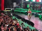 Valesca Popozuda canta para 4 mil pessoas durante feijoada de carnaval