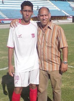 Firmino no início de carreira pelo CRB, ao lado de Marcellus, no estádio Rei Pelé (Foto: Arquivo Pessoal)