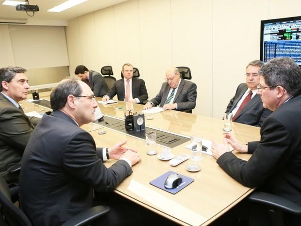 Governadores de RS e SC se reúnem com ministro Joaquim Levy (Foto: Luiz Chaves/Palácio Piratini)