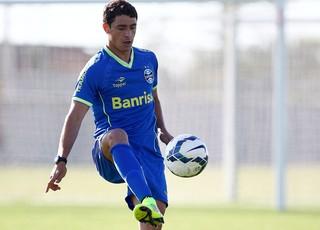 Giuliano no treino do Grêmio (Foto: Lucas Uebel / Site Oficial do Grêmio)