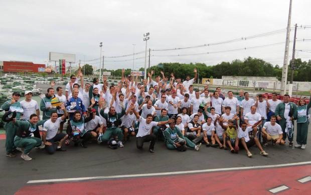 Grupo Fãs de Kart se reúne em kartódromo de Jardim Camburi (Foto: Divulgação/Fãs de Kart)