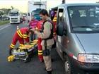 Van com pacientes é atingida por caminhão e 5 ficam feridos no ES
