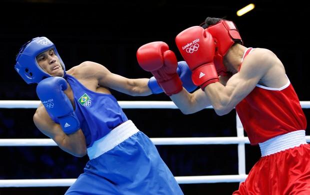 boxe julião neto Pak Jong Choi londres 2012 (Foto: Agência Reuters)