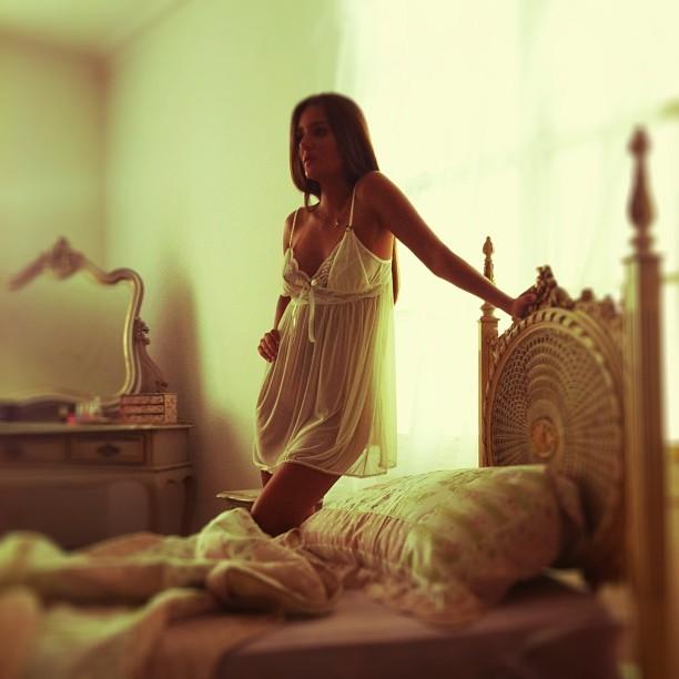 Virgem Da Playboy Aparece De Camisola Transparente Em Nova Foto