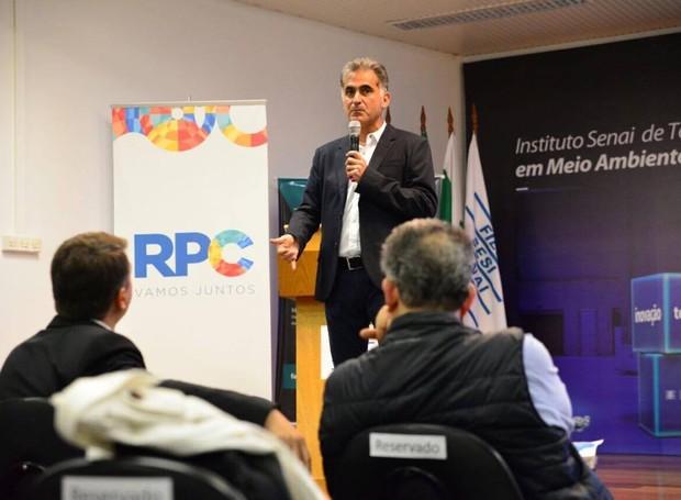 André Dias subiu ao palco para falar da Patrulha Digital e da Onda Digital (Foto: Priscilla Fiedler/RPC)