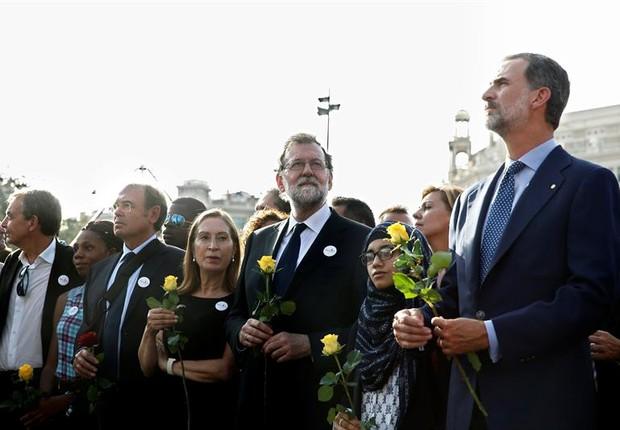 Felipe VI participa das manifestações em Barcelona (Foto: EFE)