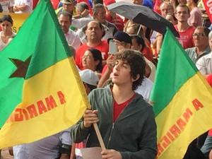 Jovens com as cores da bandeira brasileira ocuparam as ruas centrais de Campo Grande (Foto: Claudia Gaigher/ TV Morena)