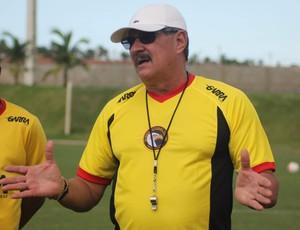 Pedrinho Albuquerque - técnico do Globo FC (Foto: Kaline Rodrigues/Divulgação)