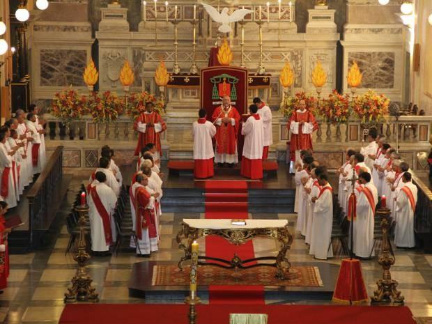 Celebração de Pentecostes marca o encerramento do período de Páscoa para os católicos. Em Belém, cerimônia será presidida pelo arcebispo metropolitano neste sábado (7). (Foto: Paulo Akira/O Liberal)