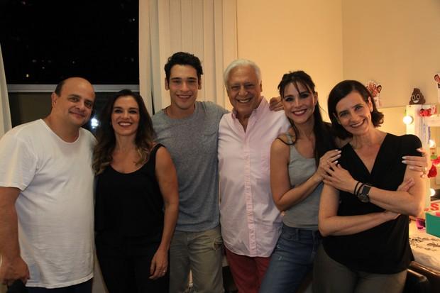 Fábio Espósito, Mara Carvalho, Bruno Fagundes, Antônio Fagundes, Alexandra Martins e Ilana Kaplan (Foto: Marcos Ribas/Brazil News)