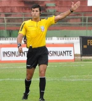 Resultado de imagem para Árbitro de futebol Diego Pombo Lopez