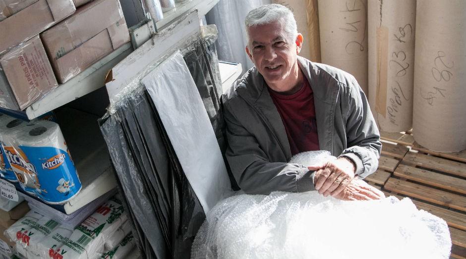 Antônio Oliveira, proprietário da Embalagens Carrão.  (Foto: Divulgação)