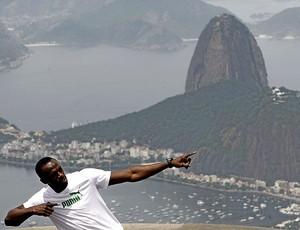 Bolt no Cristo Redentor Rio de Janeiro (Foto: Antonio Lacerda / EFE)