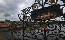 Esculturas e pontes, Praga