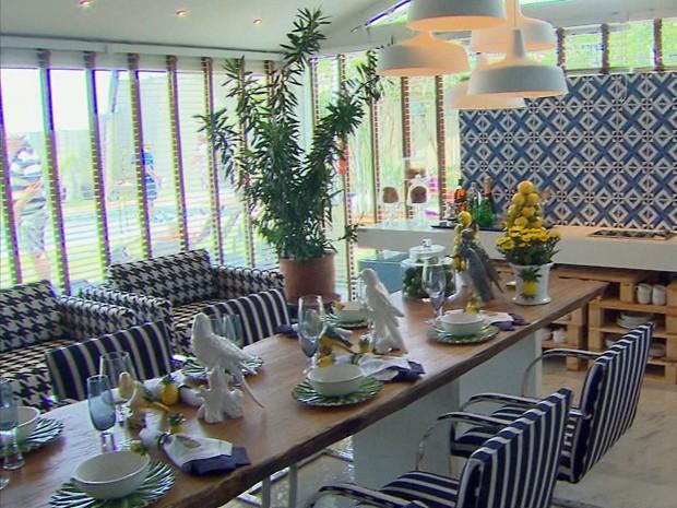 Ambientes como a varanda ganham novas utilidades na Casa Cor (Foto: Reprodução / TV Globo)